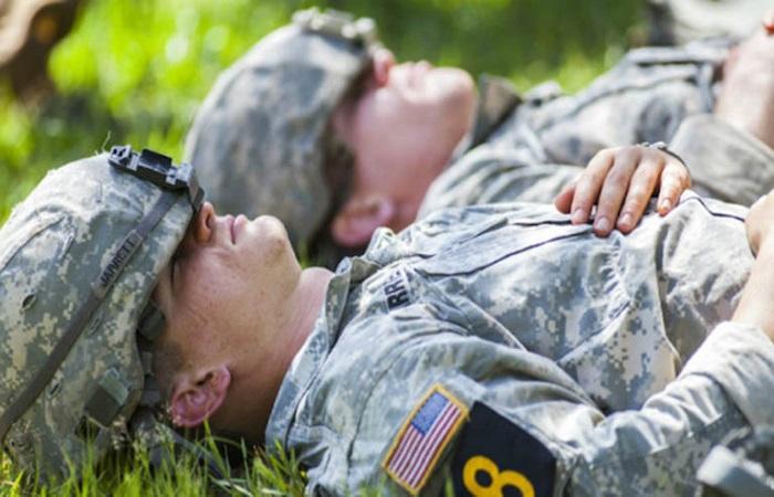 Cách ngủ nhanh theo kiểu quân đội Mỹ